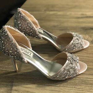 Badgley Mischka Blush pink heel shoes